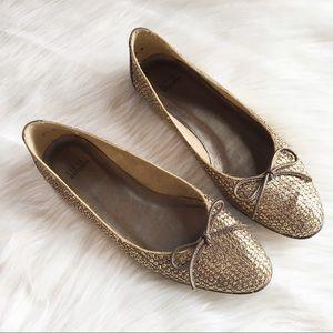 ed5f6a5482f Stuart Weitzman 8.5 metallic bronze flats shoes